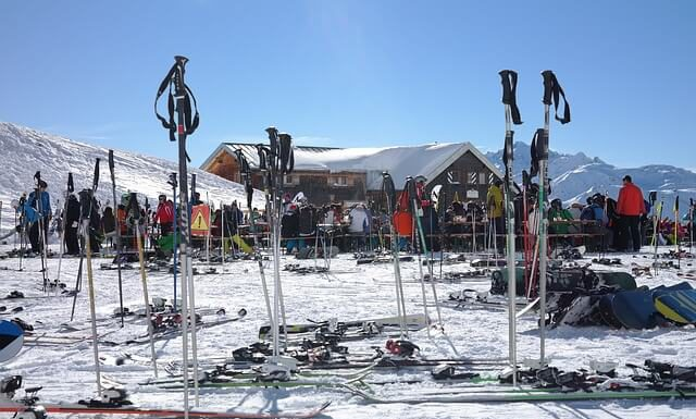 wymiana walut przez internet przed wyjazdem na narty